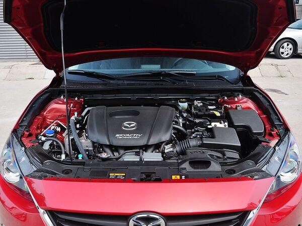 长安马自达  三厢 1.5L 自动 发动机局部特写