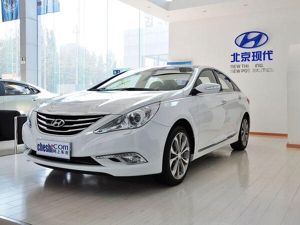 北京现代  2.4L 自动 车辆左前45度视角