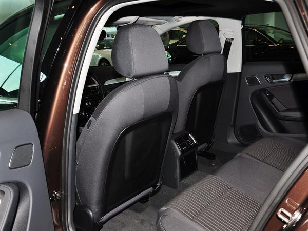 一汽奥迪  45 TFSI quattro 第一排座椅靠背后方