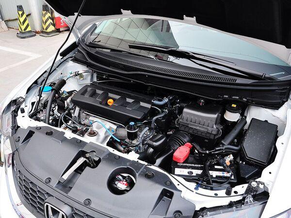 东风本田  1.8L 自动 发动机主体特写