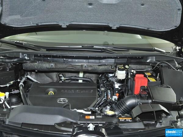 一汽马自达  2.5L 自动 发动机局部特写