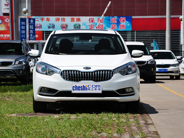 东风悦达起亚  1.6L 自动 车头正面视角