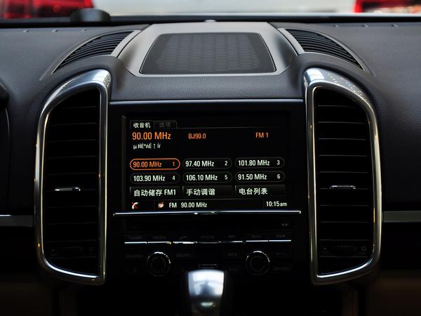 保时捷  Cayenne 3.0T 中控仪表台上方