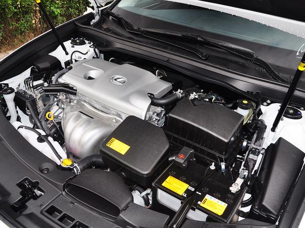 雷克萨斯  ES250 2.5L 发动机主体特写