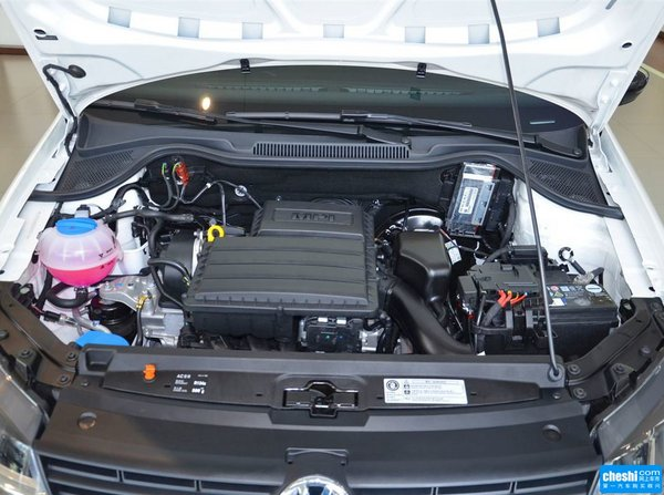上汽大众  1.6L 自动 发动机标识