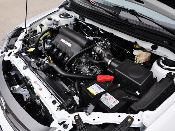 比亚迪  节能版 1.5L 手动 发动机主体特写