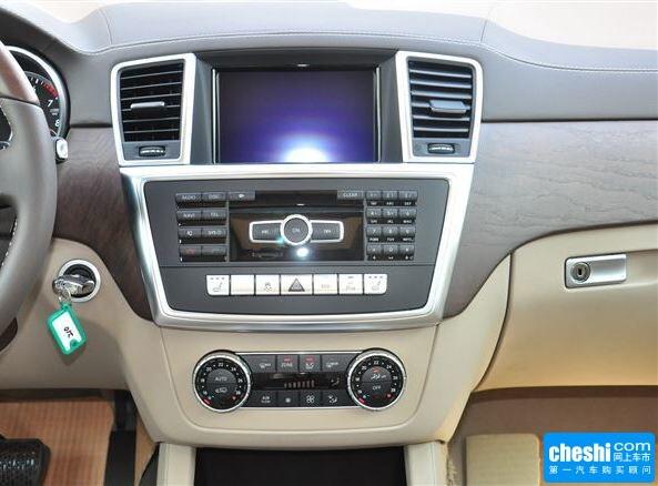奔驰(进口)  GL 500 中控台