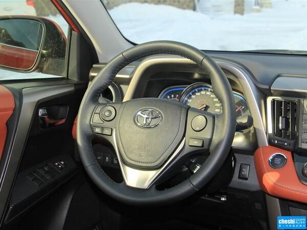 一汽丰田  2.5L 自动 方向盘整体