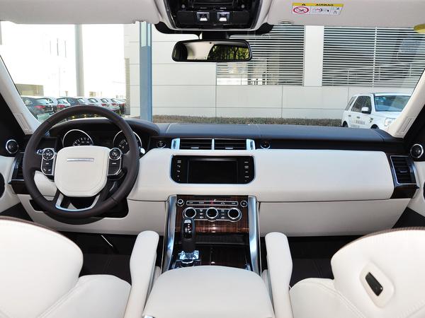 路虎  3.0 V6 中控台整体