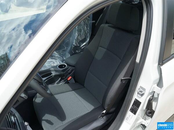 华晨宝马  sDrive18i 驾驶席座椅正视图