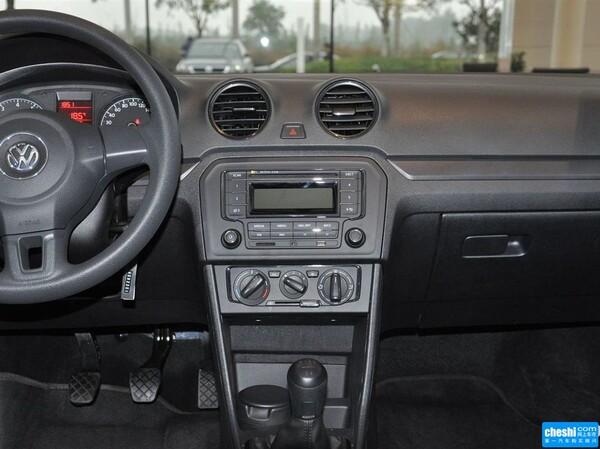 一汽-大众  质惠版 1.4L 手动 中控仪表台总特写