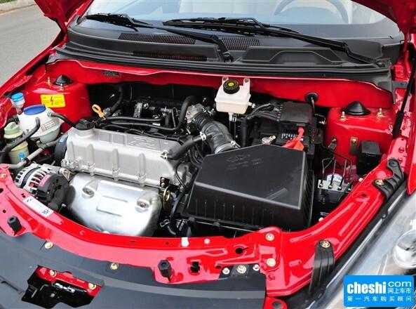 奇瑞汽车  1.5L 手动 发动机局部特写