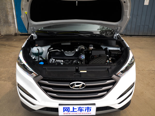 北京现代  1.6T 双离合 发动机舱