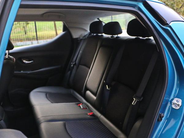 东风日产  1.6L CVT 第二排座椅