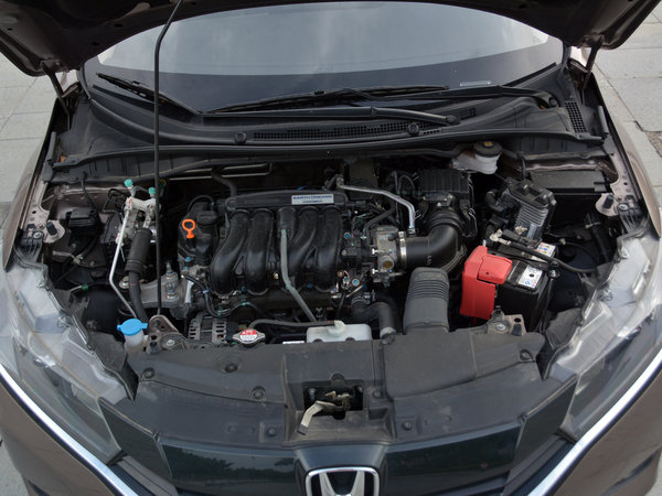 东风本田  1.5L CVT 发动机舱
