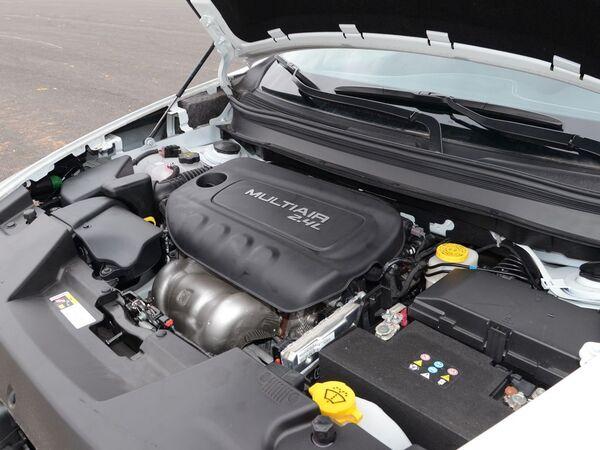 广汽菲克  2.4L 发动机
