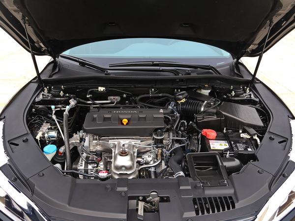 广汽本田  2.0L 车辆发动机舱整体