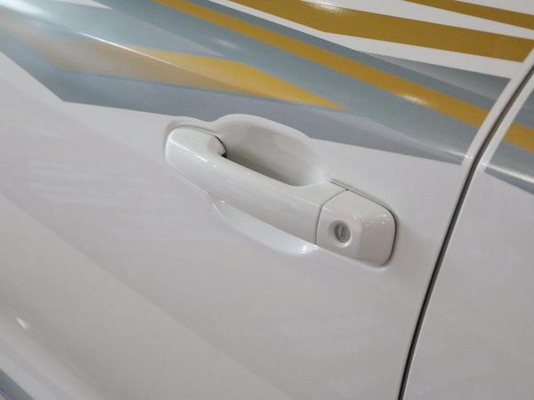一汽丰田  4.6L 左前门把手