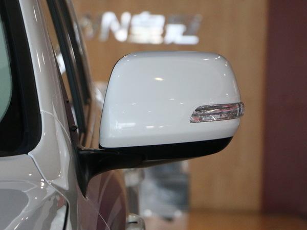 一汽丰田  4.6L 左侧后视镜