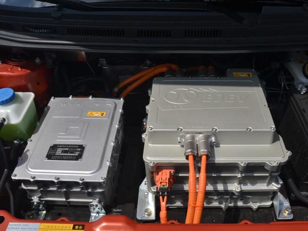 北汽新能源  EX200 发动机舱