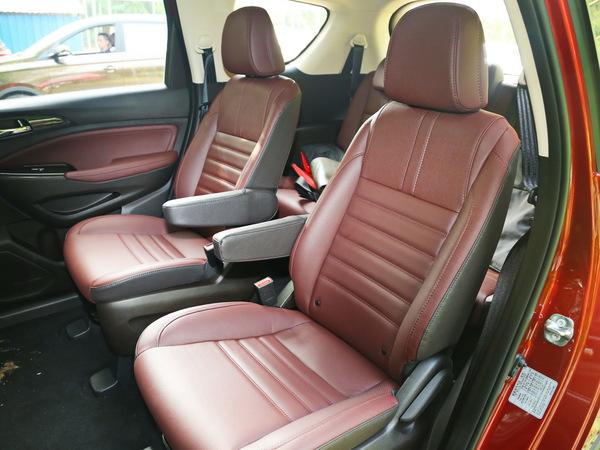 长安乘用车  基本型 第二排座椅
