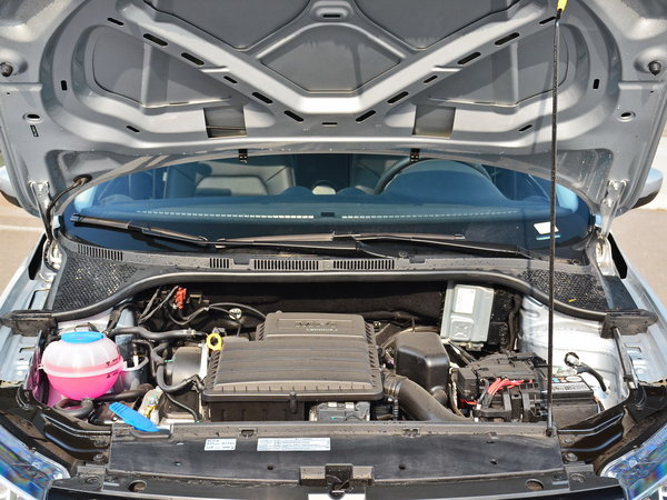 一汽-大众  1.5L 发动机舱