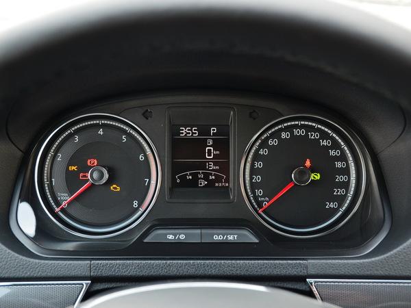 一汽-大众  1.5L 仪表盘