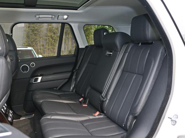 路虎  3.0 V6 SC 第二排座椅