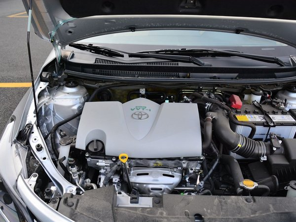 一汽丰田  1.5L 发动机舱