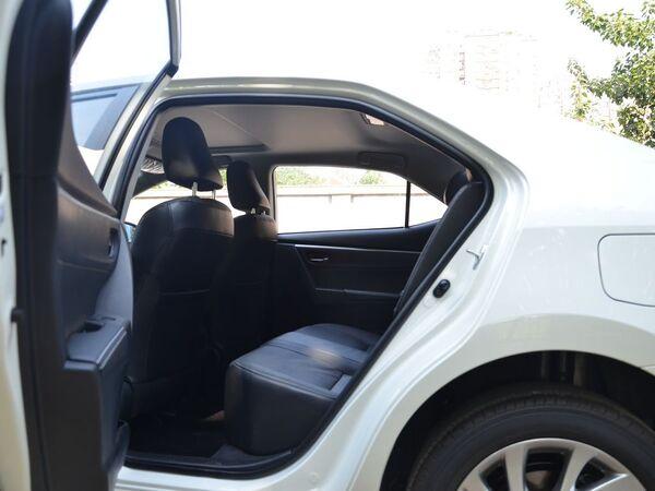 一汽丰田  改款 1.2T CVT 第二排空间