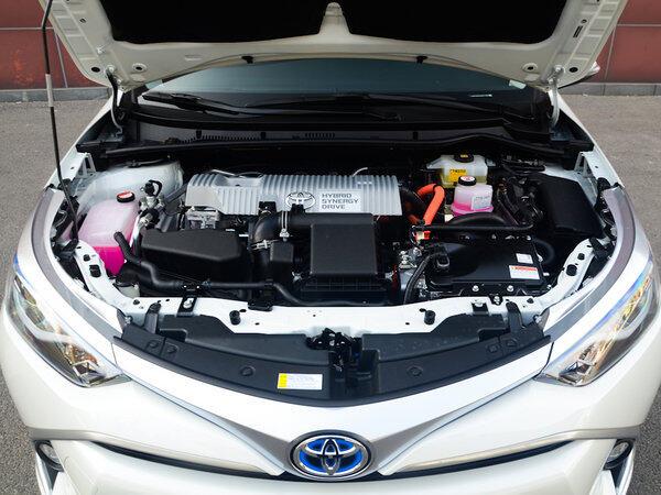 广汽丰田  改款双擎 1.8H GS 发动机舱
