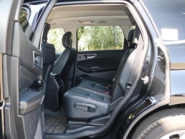 长安福特  EcoBoost 245 四驱运动型 第二排空间