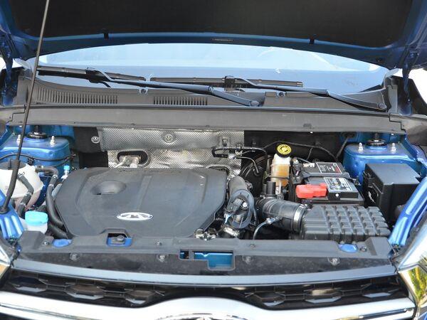 奇瑞汽车  1.5T 发动机舱