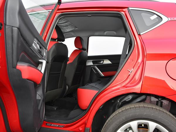 哈弗汽车  红标 1.5T 第二排空间
