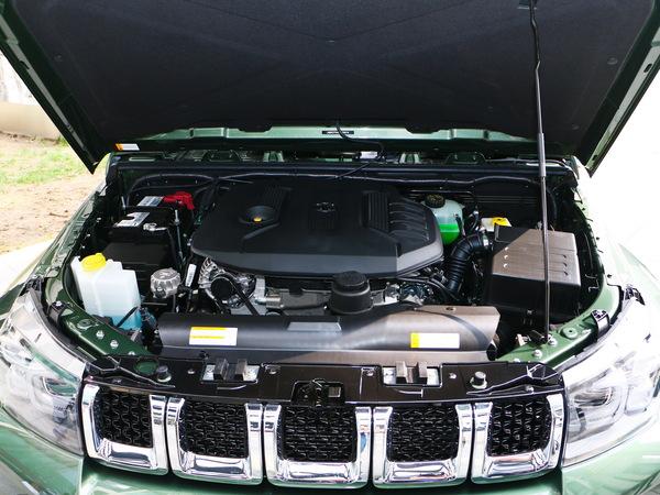 北京汽车  40Plus 2.3T 发动机舱
