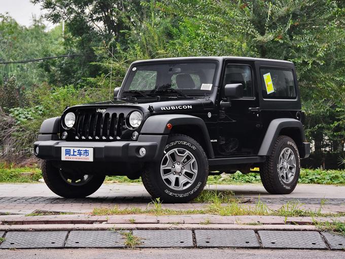 Jeep  3.6L 兩門舒享版 左前正45度