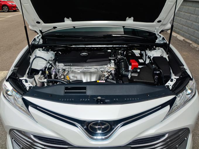 广汽丰田  2.0G 发动机舱