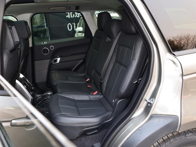 路虎  3.0 V6 HSE 第二排座椅